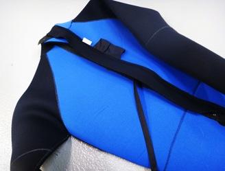 blue and black wetsuit scuba diving