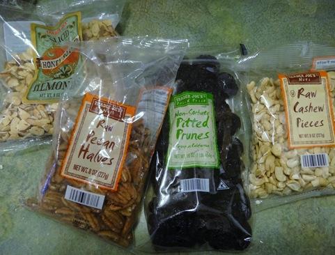 trader joe's mixed nuts and prunes