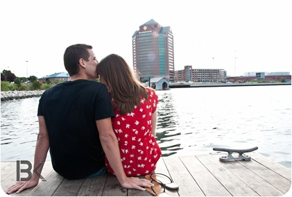 K & Z engagment picture harbor