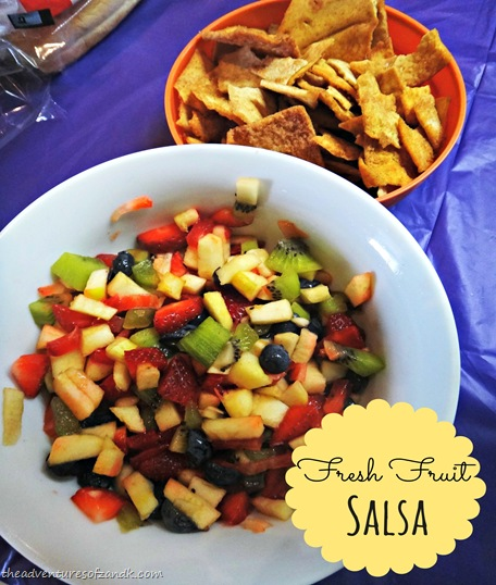 k's no sugar added fresh fruit salsa with cinnamon pita chips