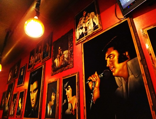 Nacho Mamas Elvis Decor