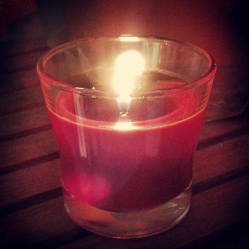 Glade Apple Cinnamon Candle
