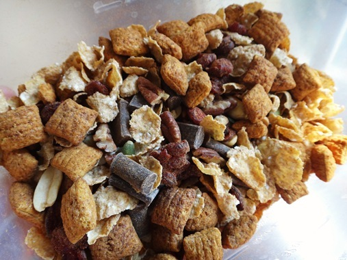 Festively Fall Trail Mix with puffins cereal, cranberries, almonds, pecans, pumpkin seeds, enjoy life chips and butterscotch morsels | The Adventures of Z & K
