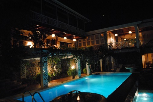 Le Gallerie Villa St. Lucia at night