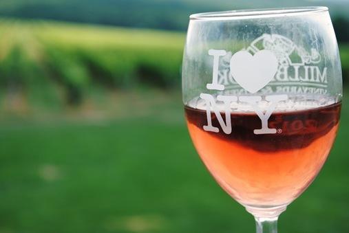 I <3 NY wine glass