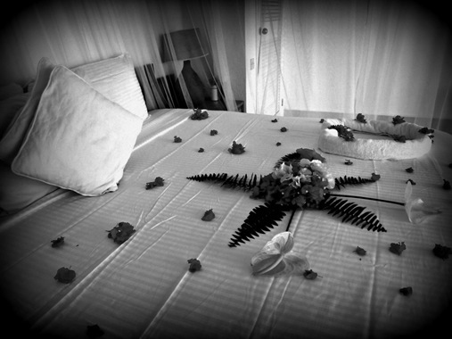 Bed_With_Flower_Decorations